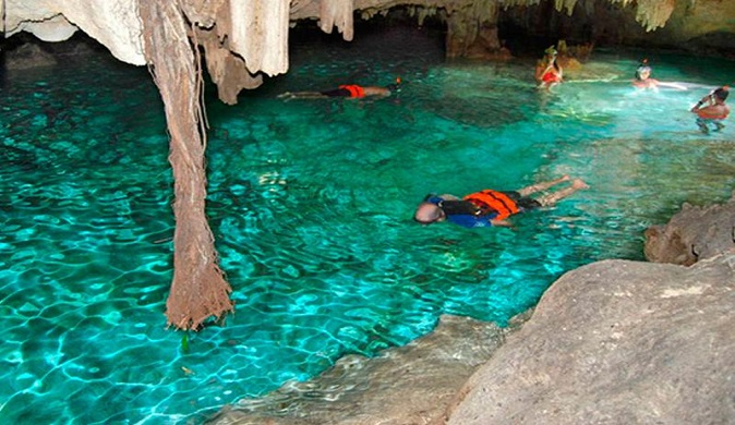 Cenote Swimming and Zip Lines Private Tour